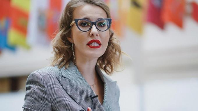 Ксения Собчак будет вести развлекательную передачу впрайм-тайм на Первом канале