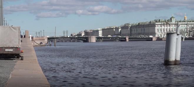 Блокадница просит переименовать Благовещенский мост в честь императора Николая Первого