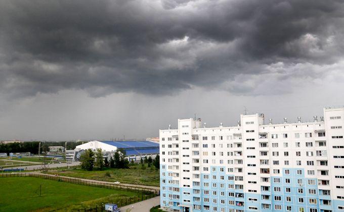Последствия урагана оценили власти Новосибирска