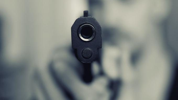 Петербургский пятиклассник угрожал подростку пистолетом