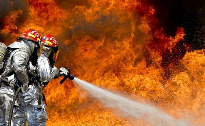 Бердск в огне: сгорели ритуальное агентство и детский сад