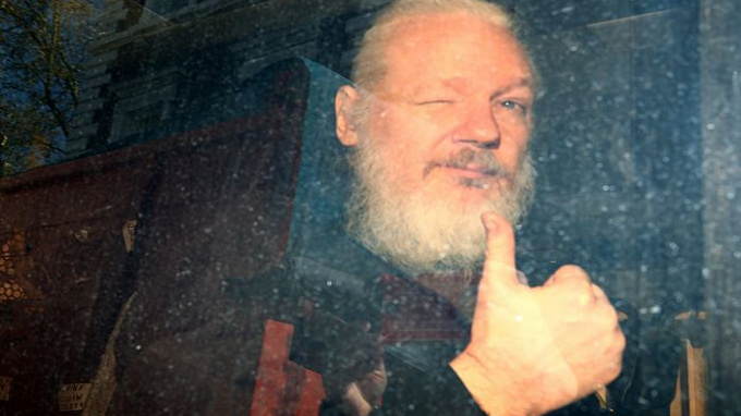 Минюст США может отказать от обвинений Ассанжа в шпионаже