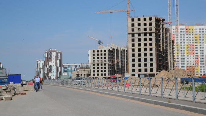 В конце Комендантского проспекта к началу осени появится новая дорога