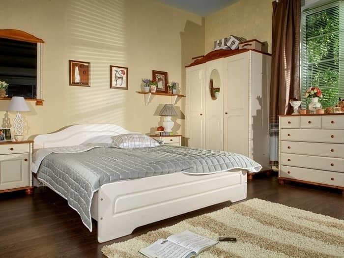 Превосходные спальни из массива